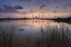 Ηλιοβασίλεμα στο μουσουλμανικό τέμενος Στοκ Εικόνα