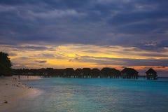Ηλιοβασίλεμα στο νησί των Μαλδίβες Στοκ εικόνες με δικαίωμα ελεύθερης χρήσης