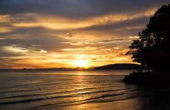 Ηλιοβασίλεμα στο νότο της Ταϊλάνδης Στοκ Φωτογραφίες
