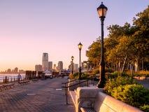 Ηλιοβασίλεμα στο πάρκο μπαταριών στη Νέα Υόρκη στοκ εικόνες
