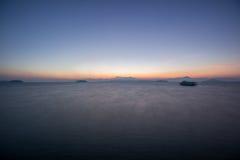 Ηλιοβασίλεμα στο πρωί στη θάλασσα Στοκ φωτογραφία με δικαίωμα ελεύθερης χρήσης
