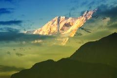 Ηλιοβασίλεμα στο υποστήριγμα Kanchenjugha, στο σούρουπο, Sikkim Στοκ φωτογραφία με δικαίωμα ελεύθερης χρήσης