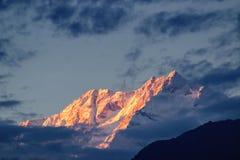 Ηλιοβασίλεμα στο υποστήριγμα Kanchenjugha, στο σούρουπο, Sikkim Στοκ φωτογραφίες με δικαίωμα ελεύθερης χρήσης