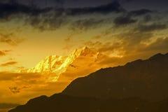 Ηλιοβασίλεμα στο υποστήριγμα Kanchenjugha, στο σούρουπο, Sikkim Στοκ Εικόνα