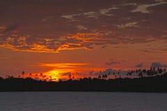 Ηλιοβασίλεμα στο όμορφο νησί Στοκ φωτογραφίες με δικαίωμα ελεύθερης χρήσης