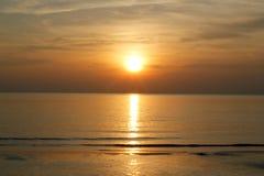 Ηλιοβασίλεμα στο thaibeach στοκ φωτογραφία με δικαίωμα ελεύθερης χρήσης