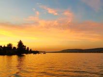 Ηλιοβασίλεμα στο zurichsee της Ζυρίχης λιμνών στην Ελβετία Στοκ εικόνα με δικαίωμα ελεύθερης χρήσης