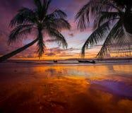 ηλιοβασίλεμα Ταϊλάνδη νησιών παραλιών phuket τροπική AO-Nang Krabi Στοκ εικόνες με δικαίωμα ελεύθερης χρήσης