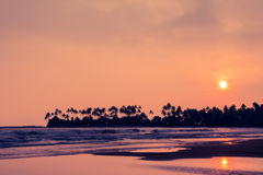 ηλιοβασίλεμα Ταϊλάνδη του Σιάμ παραλιών κόλπων τροπική στοκ φωτογραφίες