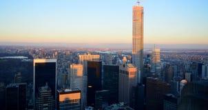 Ηλιοβασίλεμα της Νέας Υόρκης από τον πύργο Rockefeller Στοκ εικόνες με δικαίωμα ελεύθερης χρήσης