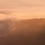 Ηλιοβασίλεμα της Misty Στοκ Εικόνα