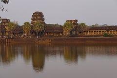 Ηλιοβασίλεμα, τουρίστες σε Angkor Wat Στοκ εικόνες με δικαίωμα ελεύθερης χρήσης