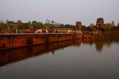 Ηλιοβασίλεμα, τουρίστες σε Angkor Wat Στοκ Εικόνα