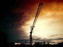 Ηλιοβασίλεμα του γερανού στοκ εικόνα με δικαίωμα ελεύθερης χρήσης