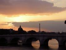 Ηλιοβασίλεμα του Παρισιού Στοκ Φωτογραφίες
