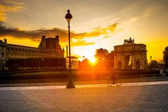 Ηλιοβασίλεμα του Παρισιού Στοκ εικόνα με δικαίωμα ελεύθερης χρήσης