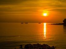 ηλιοβασίλεμα τρία βαρκών Στοκ εικόνα με δικαίωμα ελεύθερης χρήσης