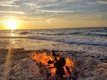 Ηλιοβασίλεμα φωτιών Στοκ εικόνα με δικαίωμα ελεύθερης χρήσης