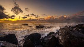 Ηλιοβασίλεμα Όμορφο ηλιοβασίλεμα Μαύρη Θάλασσα Χρυσό ηλιοβασίλεμα θάλασσας Θάλασσα εικόνων Στοκ Φωτογραφία
