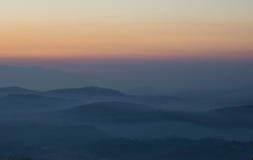 Ηλιοβασίλεμα όπως βλέπει από την ακρόπολη Civitavecchia Di Arpino, Ιταλία Στοκ Εικόνα