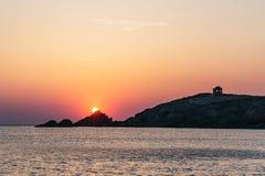 Ηλιοβασίλεμα Arche de Port Blanc σε Άγιος-Pierre-Quiberon Στοκ φωτογραφίες με δικαίωμα ελεύθερης χρήσης