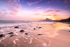 Ηλιοβασίλεμα Bai nhat στην παραλία, νησί Condao - Βιετνάμ Στοκ εικόνα με δικαίωμα ελεύθερης χρήσης
