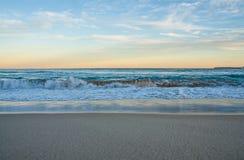 Καταβρέχοντας παραλία σκηνής Στοκ Εικόνες