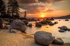 Ηλιοβασίλεμα Tahoe λιμνών Στοκ εικόνα με δικαίωμα ελεύθερης χρήσης
