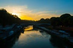 Ηλιοβασίλεμα Tiber ποταμών Στοκ εικόνα με δικαίωμα ελεύθερης χρήσης