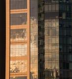 Ηλιοφάνεια στην οικοδόμηση παραθύρων γραφείων Στοκ εικόνα με δικαίωμα ελεύθερης χρήσης