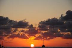 Ηλιοφάνεια στον καλαφάτη Caye Στοκ Εικόνα