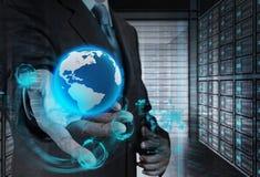 Η διπλή έκθεση του επιχειρηματία παρουσιάζει σύγχρονη τεχνολογία Στοκ εικόνες με δικαίωμα ελεύθερης χρήσης