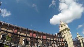 Η ισπανική εποχή έχτισε το Saint-Paul ο πρώτος καθεδρικός ναός ερημιτών που παρουσιάζει πύργο της φρακτών και κουδουνιών σιδήρου απόθεμα βίντεο