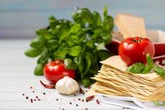 Η ιταλική κουζίνα είναι lasagna προϊόντα για το lasagna Στοκ Φωτογραφίες