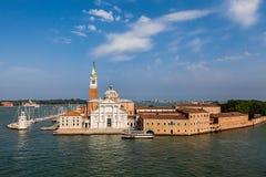 Ηλιόλουστη άποψη του νησιού SAN Giorgio, Βενετία, Ιταλία Στοκ Εικόνα