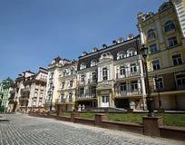 Ηλιόλουστη ημέρα οδών Sity Στοκ φωτογραφία με δικαίωμα ελεύθερης χρήσης