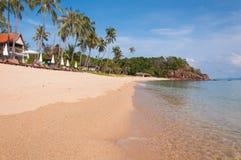 Ηλιόλουστη παραλία Maenam Koh Samui, Ταϊλάνδη Στοκ φωτογραφία με δικαίωμα ελεύθερης χρήσης
