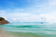Ηλιόλουστη παραλία Maenam Koh Samui, Ταϊλάνδη Στοκ Εικόνες