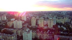 Ηλιόλουστος ορίζοντας Kyiv Dron copter απόθεμα βίντεο