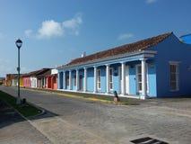 Ηλιόλουστος σε μια οδό της πόλης Tlacotalpan στην Κεντρική Αμερική στοκ εικόνες