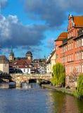 Ηλιόλουστο λεπτοκαμωμένο τέταρτο της Γαλλίας το φθινόπωρο, Στρασβούργο Στοκ φωτογραφία με δικαίωμα ελεύθερης χρήσης