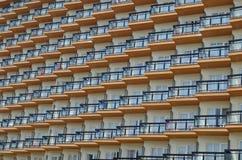 Ηλιόλουστο μπαλκόνι ξενοδοχείων Στοκ Εικόνες