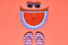Ηλιόλουστο σύνολο θερινών παραλιών μόδας Καυτή παραλία Vibes Στοκ Φωτογραφία