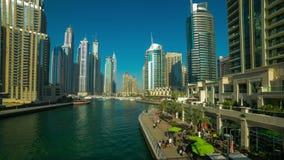 Ηλιόλουστο χρονικό σφάλμα ημέρας 4k από τη μαρίνα του Ντουμπάι απόθεμα βίντεο