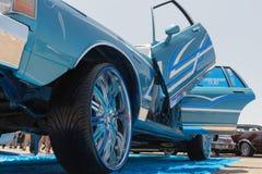 Η ιδιοτροπία Chevrolet στην επίδειξη κατά τη διάρκεια του ΑΝΤΙΓΡΑΦΟΥ παρουσιάζει γύρο στοκ φωτογραφία