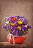 η κάρτα φθινοπώρου εύκολη επιμελείται τις διακοπές λουλουδιών τροποποιεί στο διάνυσμα Στοκ φωτογραφία με δικαίωμα ελεύθερης χρήσης
