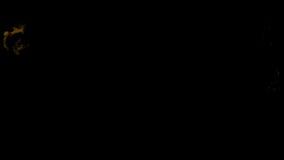 Η κίτρινη πυρκαγιά ξεσπά και εξασθενίζει μακριά, με την άλφα μάσκα ελεύθερη απεικόνιση δικαιώματος