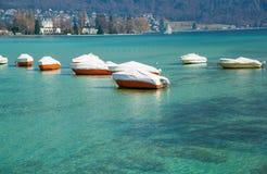 Η καθαρότερη λίμνη Annecy στη Γαλλία στο Annecy Στοκ Εικόνες