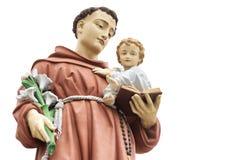 Η καθολικά εκκλησία και το άγαλμα Radna, Ρουμανία Στοκ Εικόνες