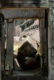 Η ΚΑΜΠΟΤΖΗ SIEM ΣΥΓΚΕΝΤΡΏΝΕΙ ΤΟ ΝΑΌ ANGKOR TA PROHM Στοκ φωτογραφίες με δικαίωμα ελεύθερης χρήσης